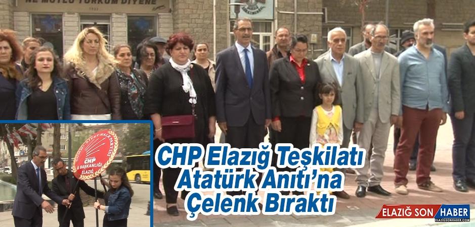 CHP Elazığ Teşkilatı, Atatürk Anıtı'na Çelenk Bıraktı