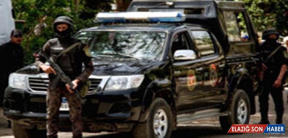 Son Dakika! Mısır'da Hristiyanları Taşıyan Otobüse Silahlı Saldırı: 23 Ölü, 25 Yaralı