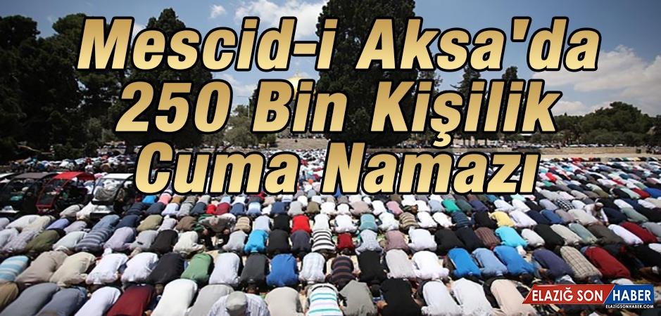 Mescid-İ Aksa'da 250 Bin Kişilik Cuma Namazı