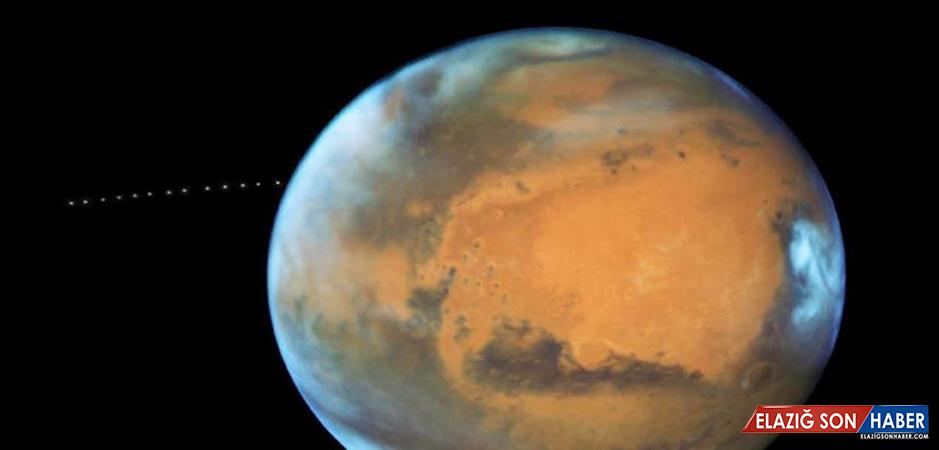 Hubble teleskobu Mars'ın uydusu Phobos'u görüntüledi
