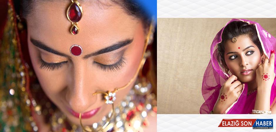 Hintli Kadınların Alnında Neden Nokta Var