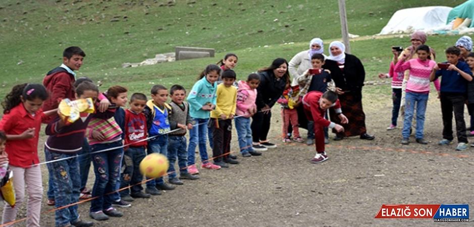 Muşlu Çocuklar 'Köyvivor' İle Eğleniyor