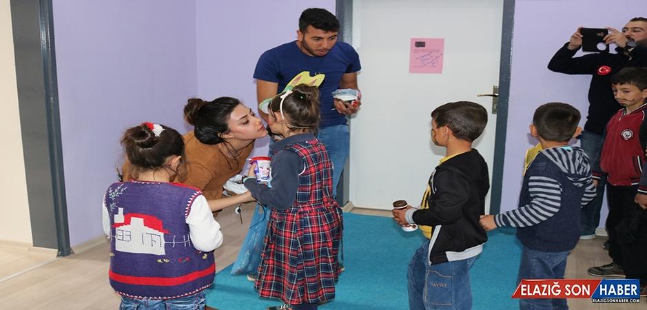 """Bitlis'teki """"İyilik Ağacı"""" Ekibinden Engellilere Ziyaret"""