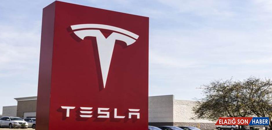 Tesla'nın Batmaması İçin 10 Milyar Dolara İhtiyacı Var