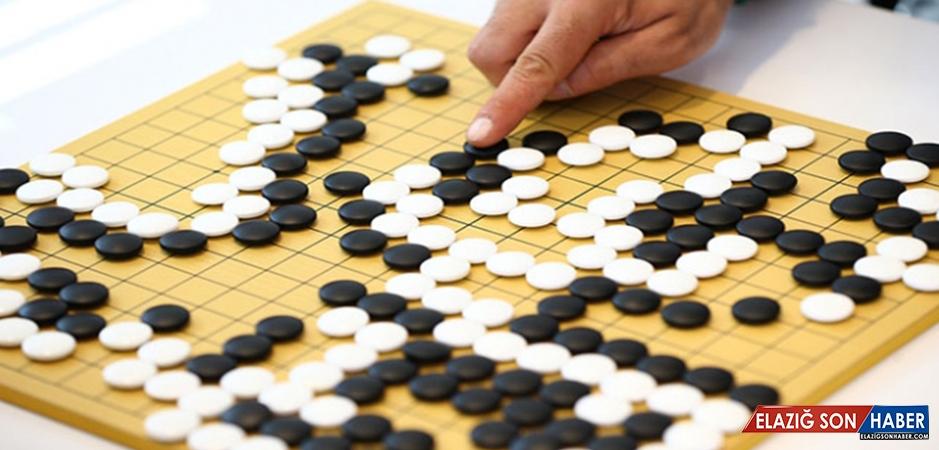 4 Bin Yıllık Zeka Oyunu 'Go' Türkiye'de Öğretiliyor