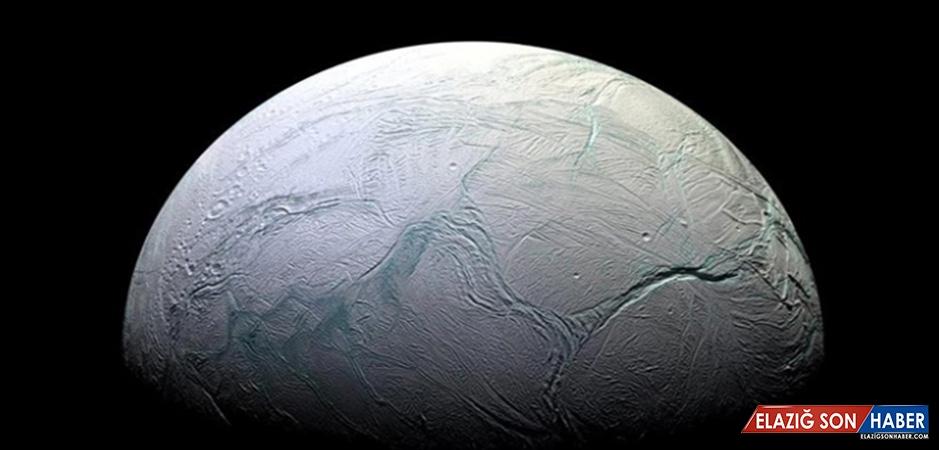 Enceladus'ta Yaşam İçin Gerekli Koşullara Sahip Kanıtlar Bulundu