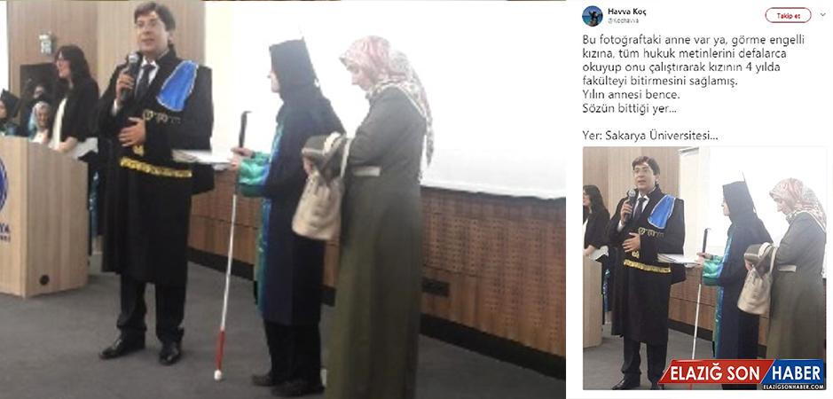 """Görme Engelli Genç Kız, Hukuk Fakültesi'nden Mezun Oldu, Annesi de """"Fahri Mezun"""" Belgesi Aldı!"""