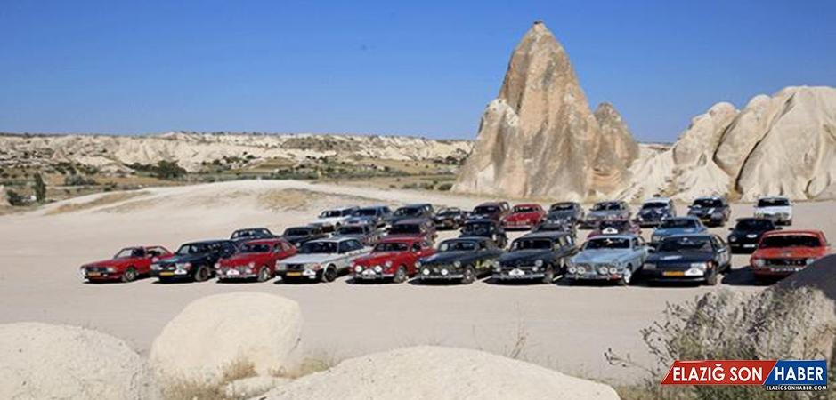 Klasik Otomobil Tutkunları Kapadokya'da Mola Verdi