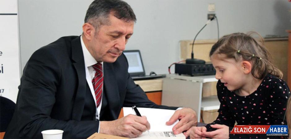 Milli Eğitim Bakanı Ziya Selçuk'un Konuşması Sosyal Medyayı Salladı