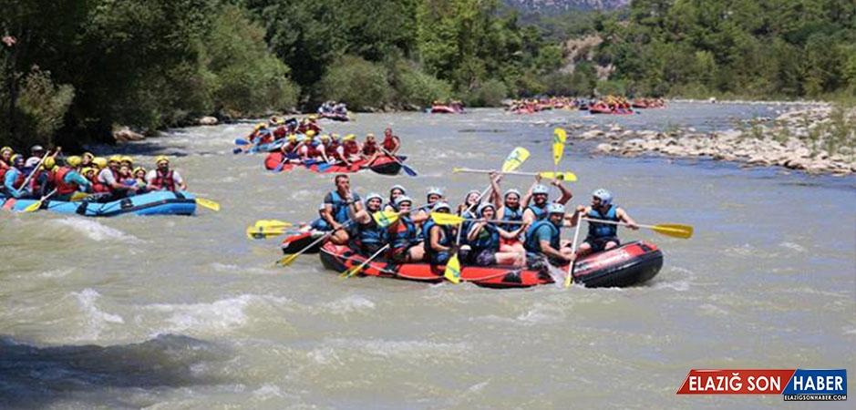 Köprülü Kanyon'da Rafting Yoğunluğu Yaşandı