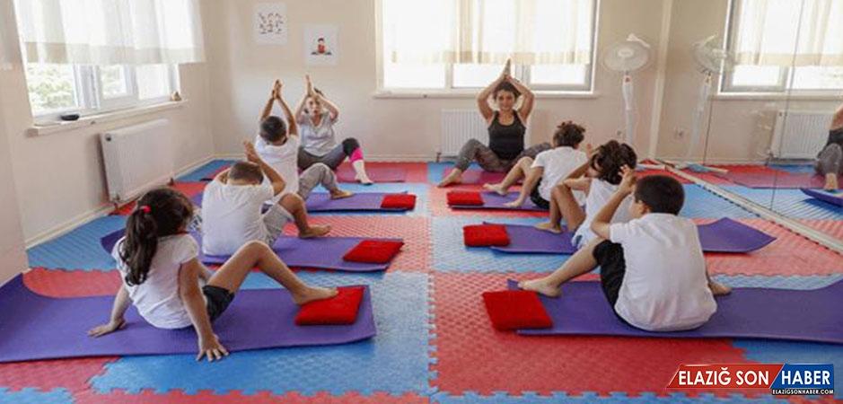 Özel Çocuklara Yoga Ve Duyu Bütünleme İle Terapi Yapılıyor