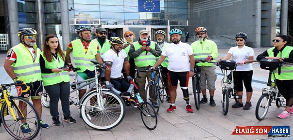 Sessiz Çığlık Bisiklet Turu Üyeleri Brüksel'de