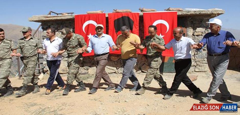 Türk Bayraklarıyla Gomane Dağı'na Tırmanıp Zirvede Halay Çektiler