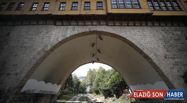 Bursa'daki 576 yıllık Irgandı Çarşılı Köprüsü turistlerin uğrak mekanı