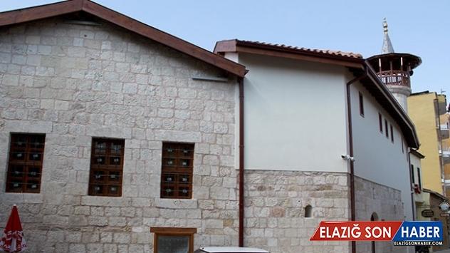 Hatay'da tarihi Nakip Camii restore edildi