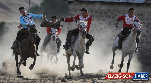 """Kırgız Türkleri """"4. Dünya Göçebe Oyunları""""na hazırlanıyor"""