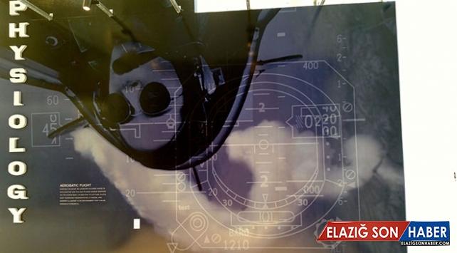 Türk kadın akrobasi pilotunun fotoğrafı ABD'deki hava ve uzay müzesinde