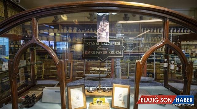 Atatürk'ün ilaçlarının hazırlandığı eczaneye ait malzemeler sergileniyor