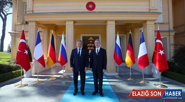 Milli Savunma Bakanı Akar Rus Mevkidaşı Şoygu İle Bir Araya Geldi