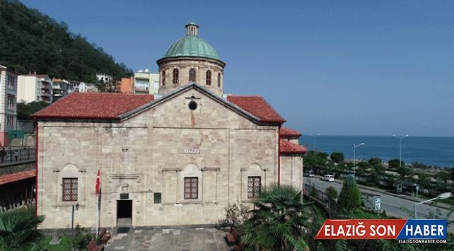 Müzeye dönüştürülen eski kilise binası 30 yıldır tarihe ev sahipliği yapıyor