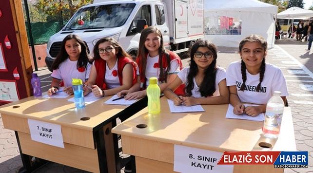 Öğrenciler Kan Bağışı Toplamak İçin Yarıştı