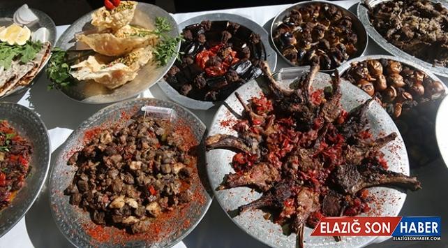 Şanlıurfa'da 120 yöresel lezzet turistlerin beğenisine sunuldu