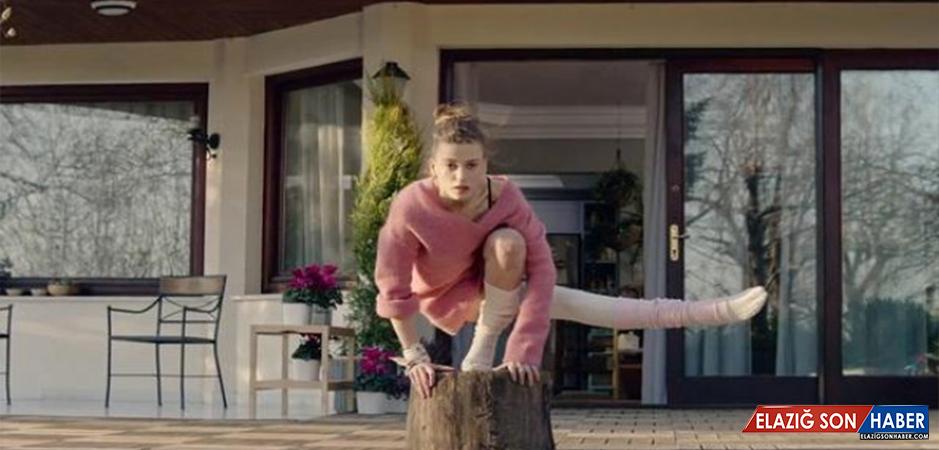 Serenay Sarıkaya, Fi Dizisindeki Dans Antrenmanlarına Nefret Ederek Gittiğini İtiraf Etti