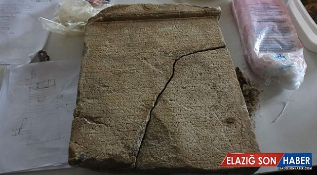 Antandros Antik Kenti'nde 2 bin 200 yıllık yazıt bulundu