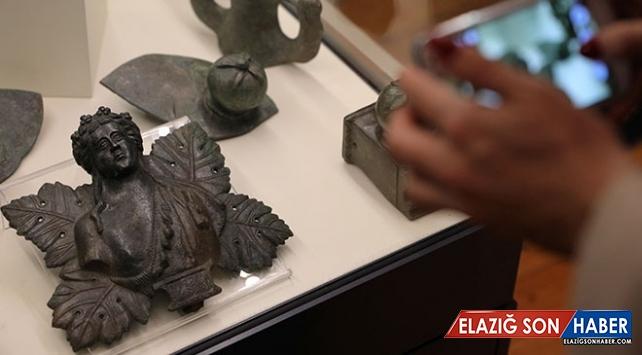 Bulgaristan'da karaborsadan kurtarılan tarihi eserler sergileniyor
