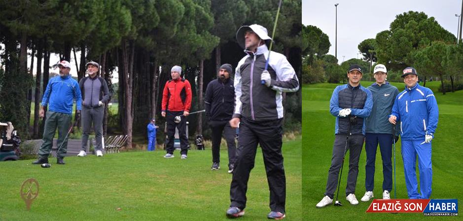 Golf Turnuvasında Tek Atışta Topu Deliğe Sokacak Oyuncu, 1 Kilo Altın Kazanacak