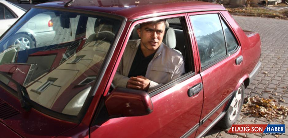 Kara Şimşek'e Özendi, 1993 Model Otomobilini Konuşturdu