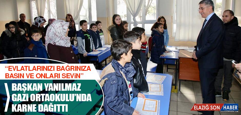 Başkan Yanılmaz, Gazi Ortaokulu'nda Karne Dağıttı