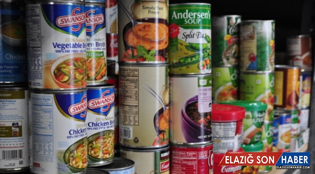 İngiltere'de halk eve gıda ve ilaç stoklamaya başladı