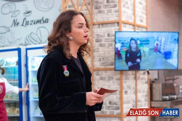 Ünlü Yönetmen Yılmaz Erdoğan'ın Kızı Berfin Erdoğan, İlk Kez Ekrana Çıktı