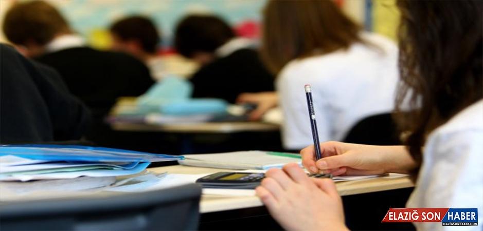 Türkiye'nin % 54'ü Eğitim Sisteminden Memnun