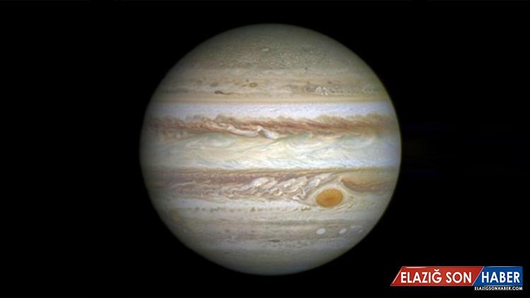 Astronomlar, Jüpiter'in 13 Katı Kütleye Sahip Bir Gezegenin İzini Buldu