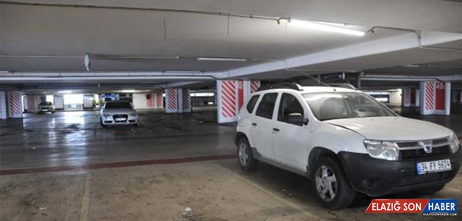 Atatürk Havalimanı Otoparkında Unutulan Araçların Sahipleri Aranıyor