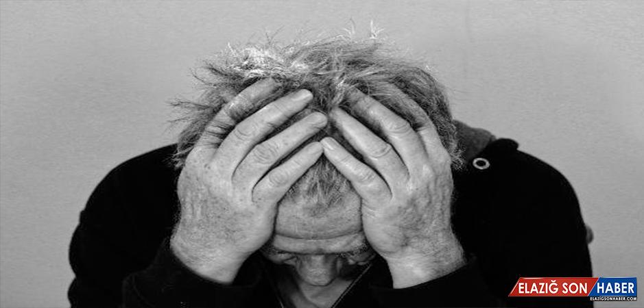 """""""Şiddetli Baş Ağrısı ve Dönmesi Beyin Tümörünün Habercisi Olabilir"""""""