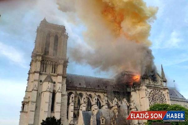 Tim Cook, Notre Dame Katedrali'nin Onarımı İçin Maddi Destek Sağlayacaklarını Açıkladı