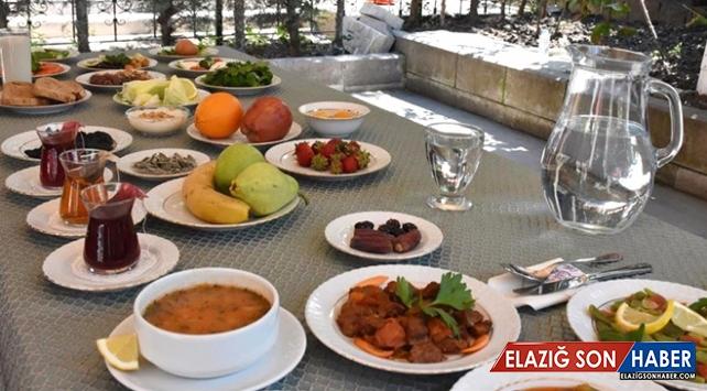 Bakanlıktan örnek sahur ve iftar sofrası