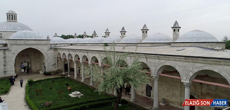 Sultan II. Bayezid külliyesi sağlık müzesi ihtişamını koruyor