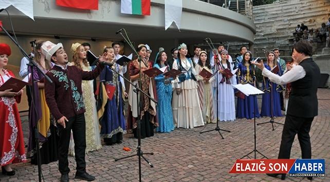 Bulgaristan'da TÜRKSOY Gençlik Korosu'nun konseri