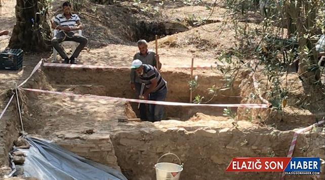 Bursa'da Roma dönemine ait lahit mezar bulundu