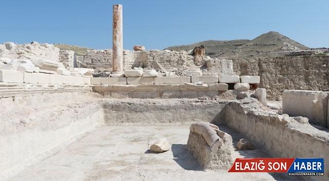 Denizli Tripolis'te anıtsal çeşme bulundu