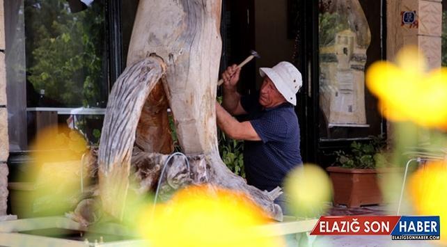 Nevşehir'i ağaç ve taş heykellerle tanıtıyor