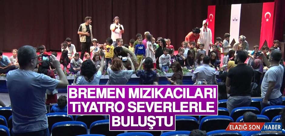 Bremen Mızıkacıları Tiyatro Severlerle Buluştu