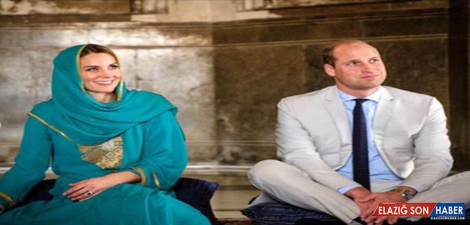Kraliyet Gelini Kate Middleton, Cami Ziyareti Sırasında Başörtüsü Takıp Kur'an Dinledi