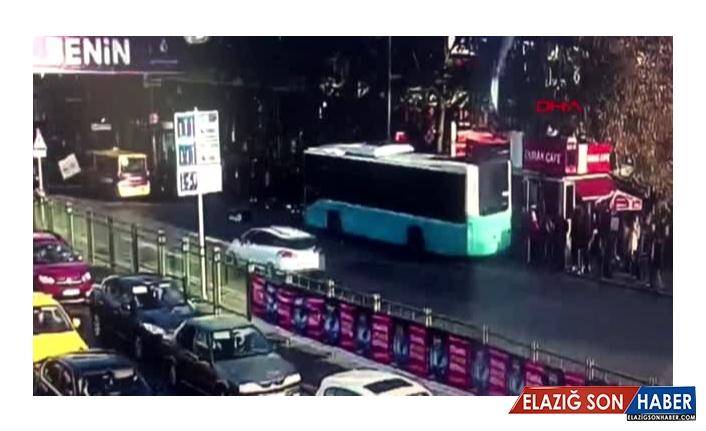 Beşiktaş'ta otobüs durağa böyle daldı!