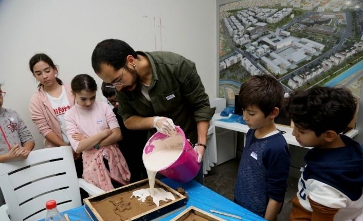Çağdaş Sanatlar Galerisi'nde çocuklar için heykel atölyesi düzenlendi