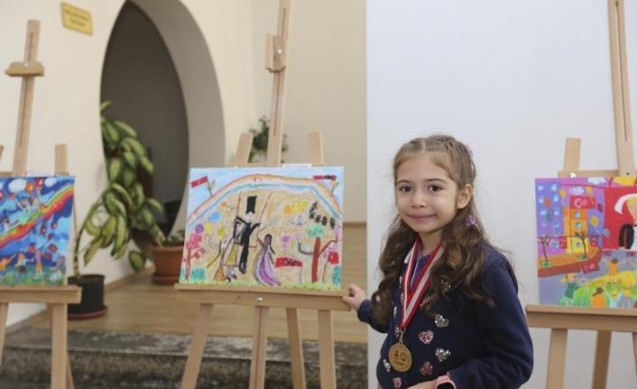 'Çocuk Gözüyle Atatürk ve Cumhuriyet' sergisi kapılarını açtı
